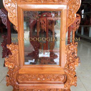 khung ảnh thờ gỗ đục chạm hoa mai
